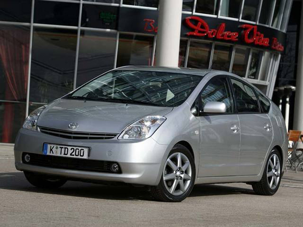 Toyota отзывает 2 770 000 автомобилей