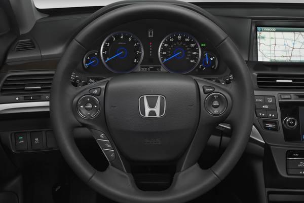 Honda представила обновленный Crosstour 2013