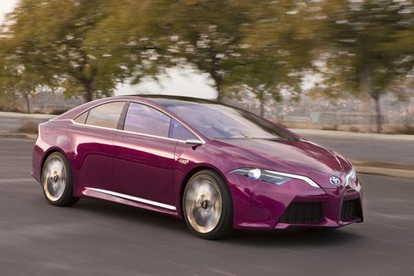 Новая Toyota Prius будет полноприводной