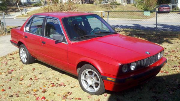 BMW 325e с двигателем Ford V8 продается на eBay