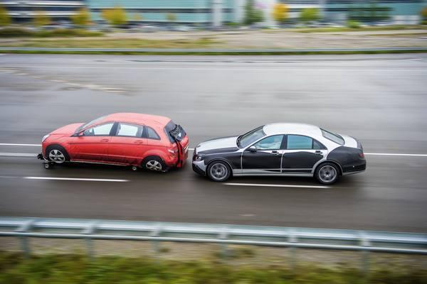 Mercedes-Benz работает над безопасностью S-Class