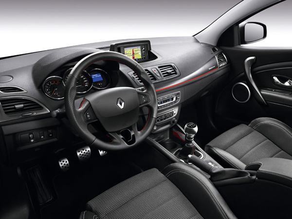 Renault презентовал Megane Estate GT 220