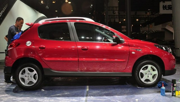Peugeot показал хэтчбек-кроссовер Cross 207