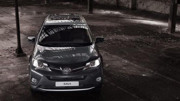 Первые фото обновленного Toyota RAV4 2013