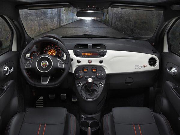 FIAT покажет в Лос-Анджелесе кабриолет 500С Abarth