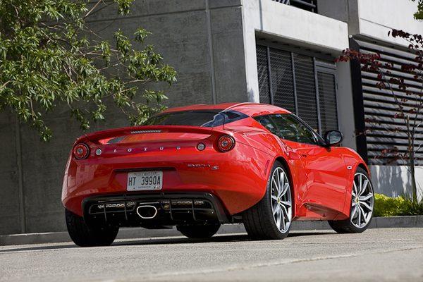 Lotus представил новую версию Evora Sports Racer