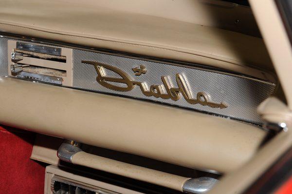 Chrysler Diablo 1956 года продан за 1 375 000$