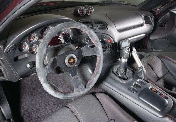 Mazda RX-7 1994 года мощностью 310 л. с.
