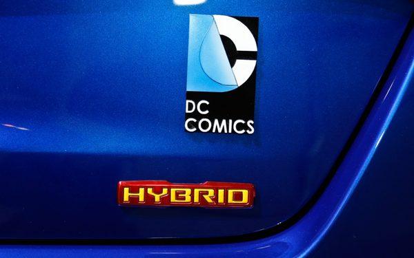 Kia Optima Hybrid Супермена представили в Чикаго