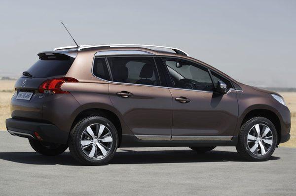 Peugeot привезет в Женеву новый кроссовер 2008