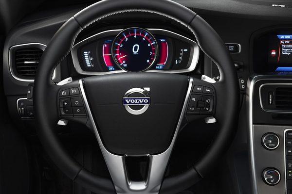 Volvo представил рестайлинговые S60, V60 и XC60