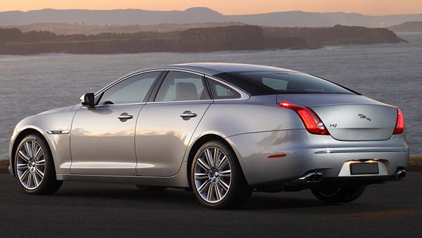 Jaguar покажет в Нью-Йорке спортивный седан XJR