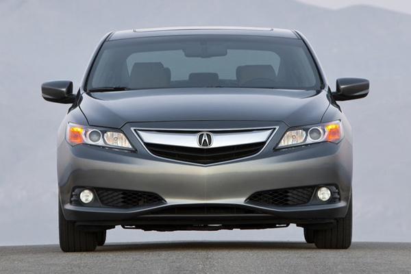 Acura обновила седан ILX на 2014-й модельный год