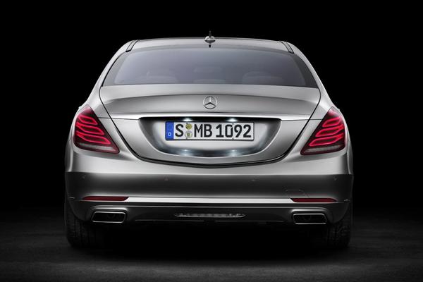 Mercedes показал официальные фото S-Class W222