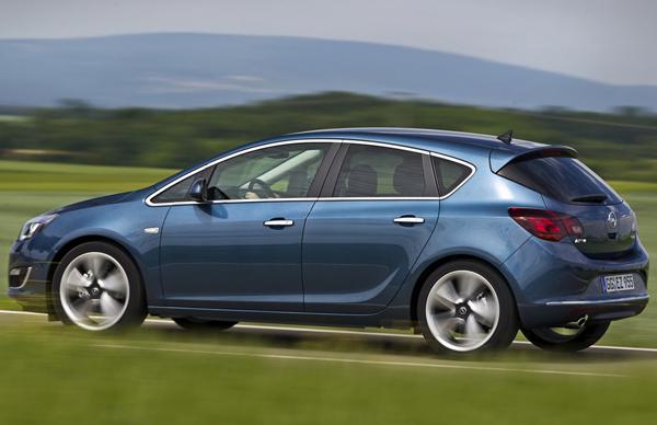 Opel Astra получил новый двигатель 1.6 SIDI