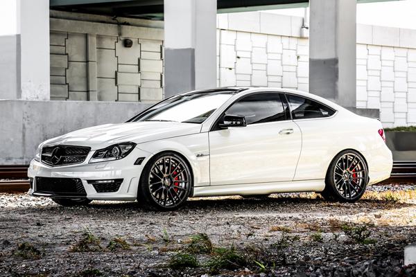 Mercedes-Benz C63 AMG в тюнинге Mode Carbon