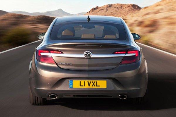 Opel Insignia получил новые моторы и внешность
