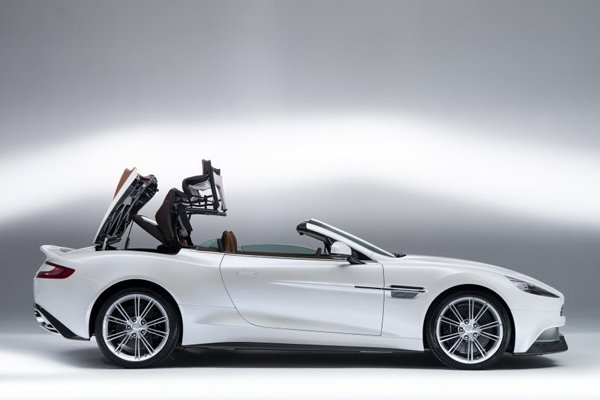 Aston Martin представил кабриолет Vanquish Volante