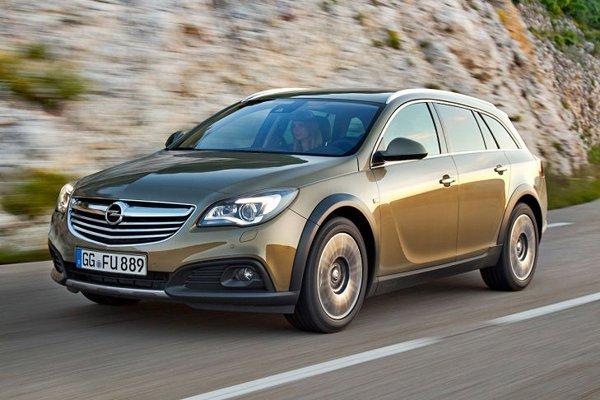Opel рассекретил Insignia Country Tourer