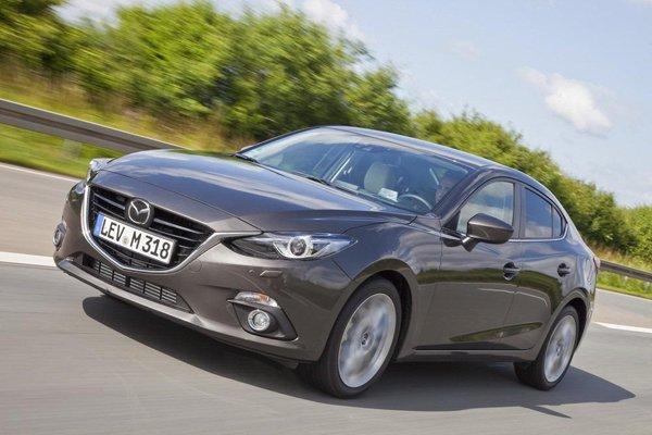 В Интернете появились фото нового седана Mazda 3