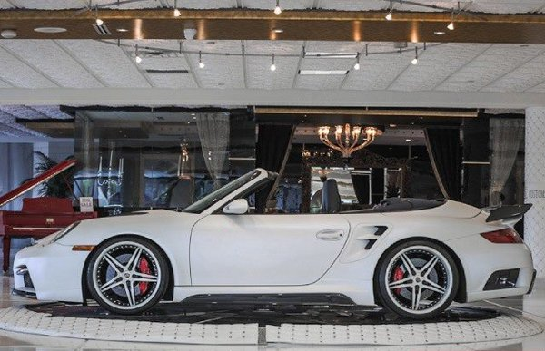 Porsche 997 Turbo Cabriolet от Couture Customs