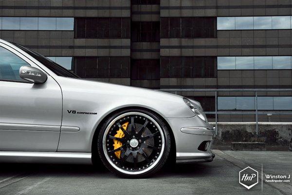 Mercedes E55 AMG (W211) форсировали до 700 л. с.