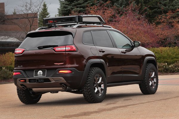 Jeep Cherokee Trail Carver и FIAT 500L Adventurer