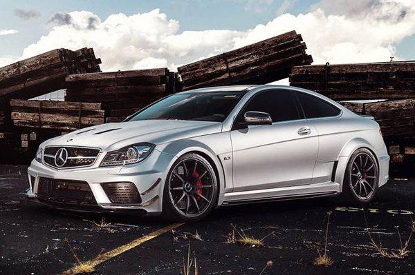 Mode Carbon доработал Mercedes-Benz C63 AMG