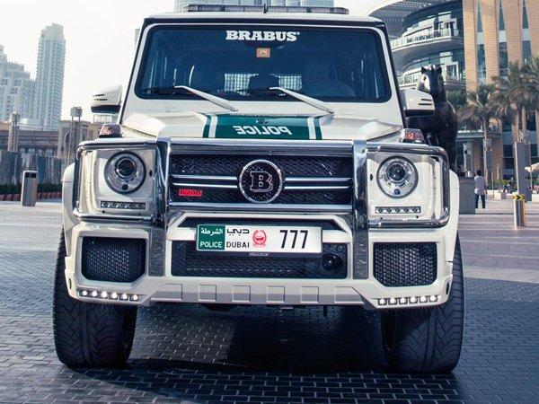 Полиция Дубая купила Brabus B63S-700 Widestar