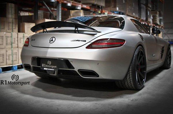Mercedes-Benz SLS AMG от R1 Motorsports