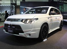 Токио 2014: Mitsubishi Outlander PHEV City Cruiser