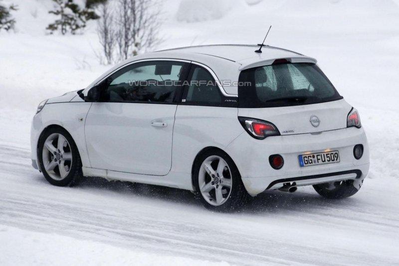 Opel тестирует «заряженную» версию хэтчбека Adam