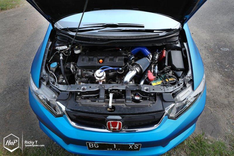 Honda Civic в ярком тюнинге Remaja Motor