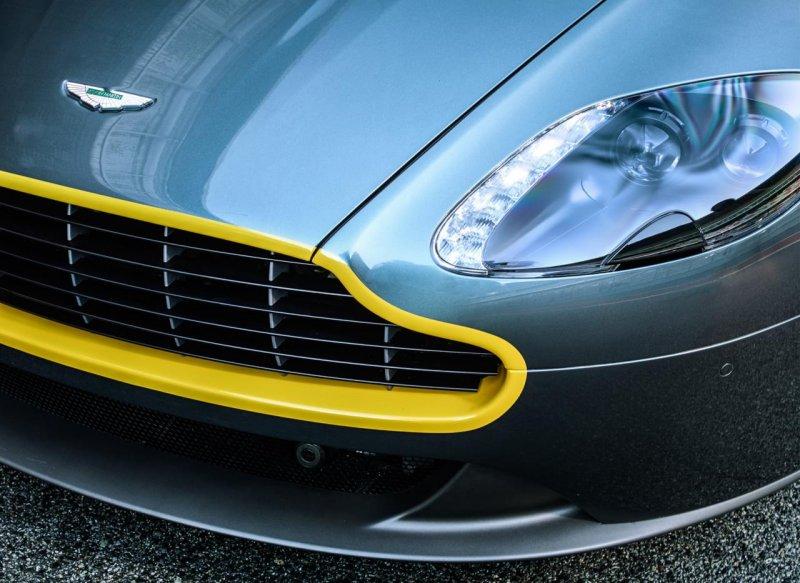 Aston Martin подготовил спецверсии спорткаров V8 Vantage и DB9
