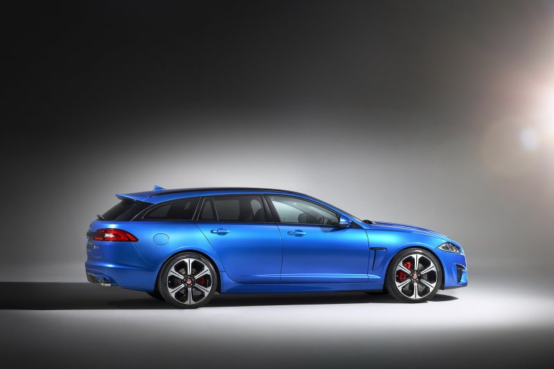 Jaguar рассекретил спортивный универсал XFR-S Sportbrake