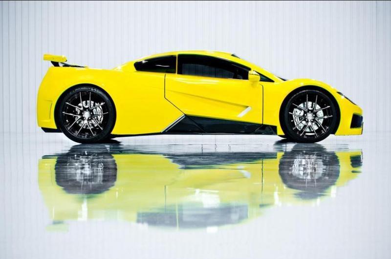 Компания Arash Cars рассекретила новый суперкар AF-8