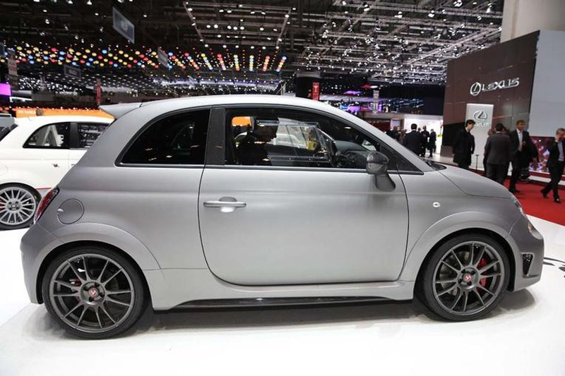 Женева 2014: Abarth представил самую быструю модель 695 Biposto