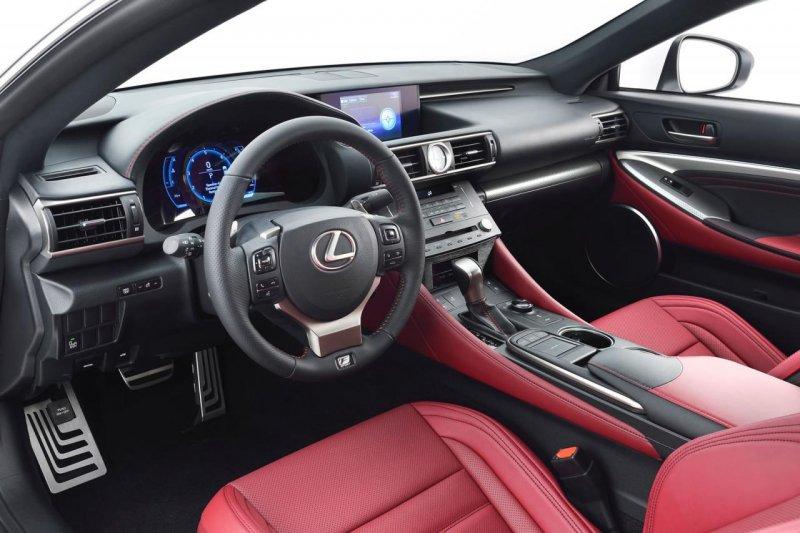 Lexus привезет в Женеву купе RC 350 F Sport