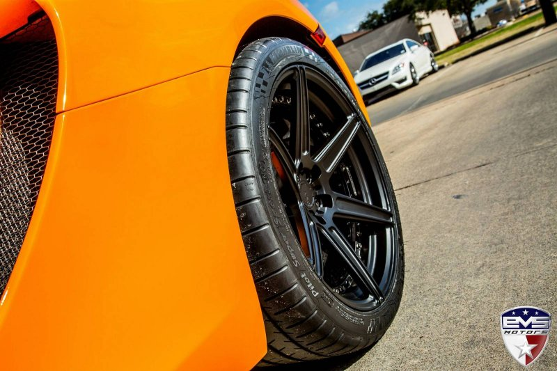 EVS Motors форсировал McLaren MP4-12C