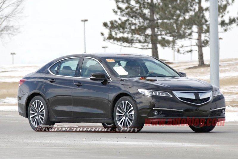 В сети появились шпионские фото серийной версии Acura TLX