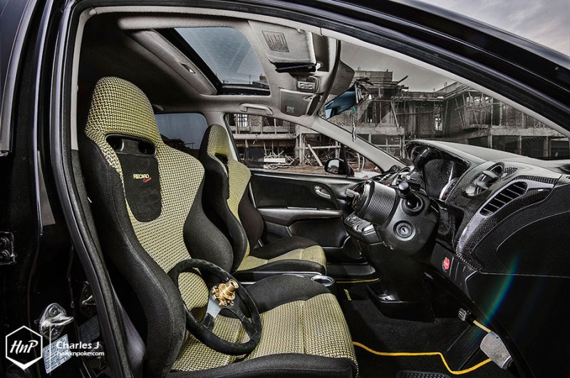 Honda Stream RSZ – компактвэн со спортивным характером