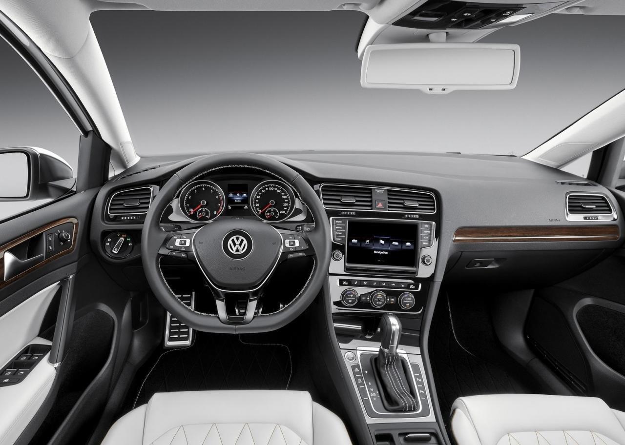 Фото салона Volkswagen New Midsize Coupe