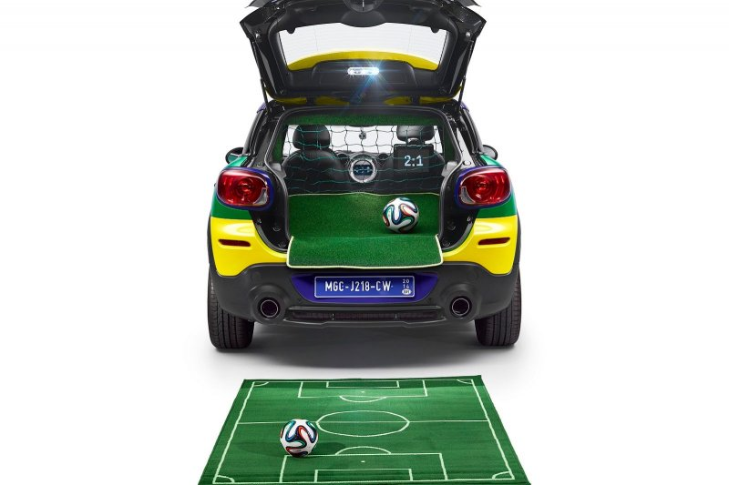MINI представил Paceman GoalCooper Edition