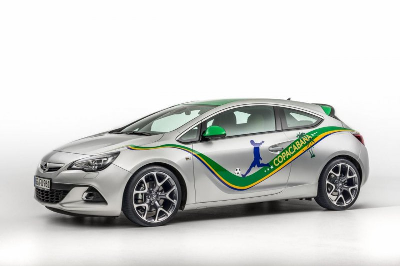 Opel представил спецверсию Astra Copacabana