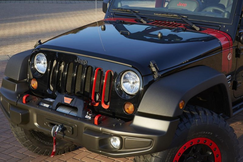 Jeep представит уникальный прототип Wrangler Level Red