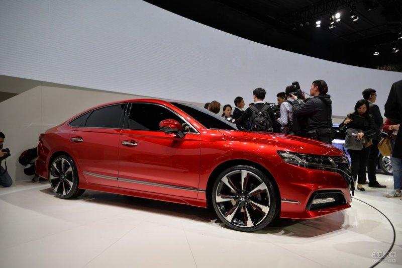 Пекин 2014: Honda показала прототип нового седана Spirior