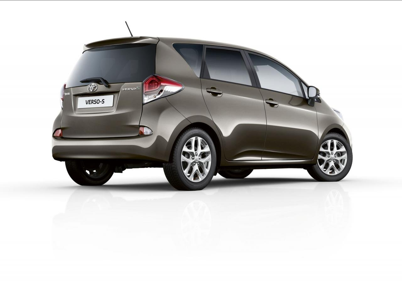 Toyota обновила компактвэн Verso-S.