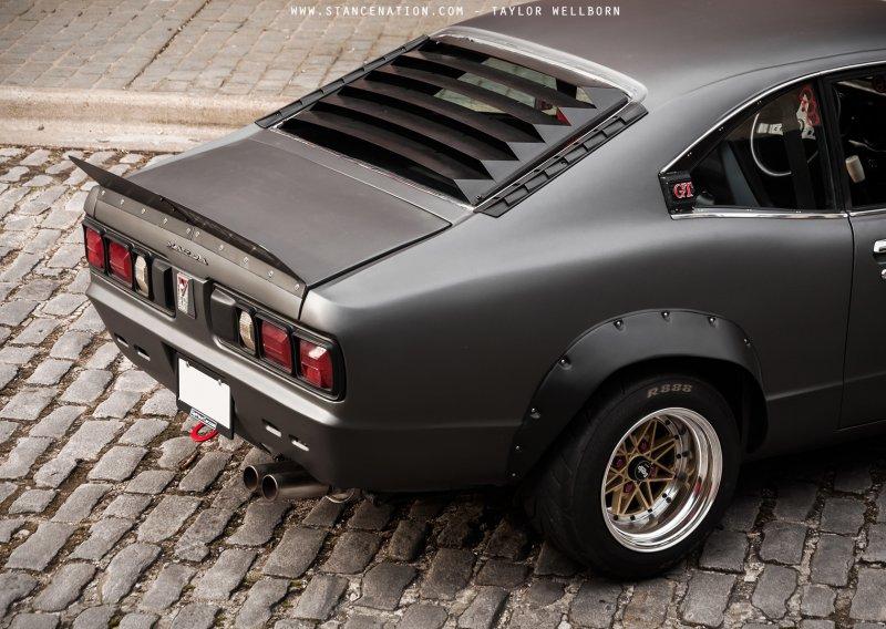 Mazda RX-3 1973 года в классическом олдскульном тюнинге