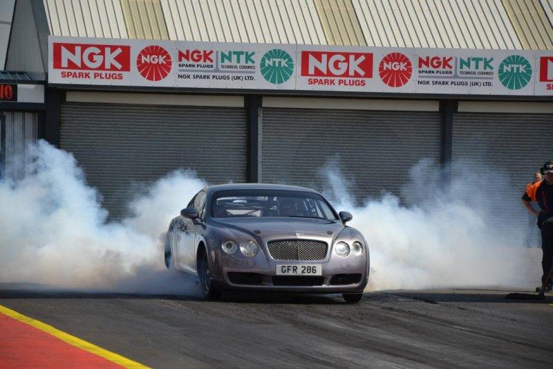 Bentley Continental GT превратили в драгстер мощностью 3000+ л. с.