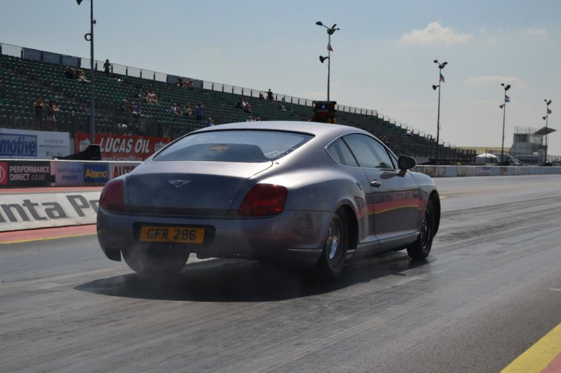 Bentley Continental GT превратили в драгстер мощностью 3000+ л. с.